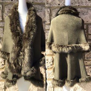 LUXURIOUS Green Faux Fur Double Layer Cape Coat